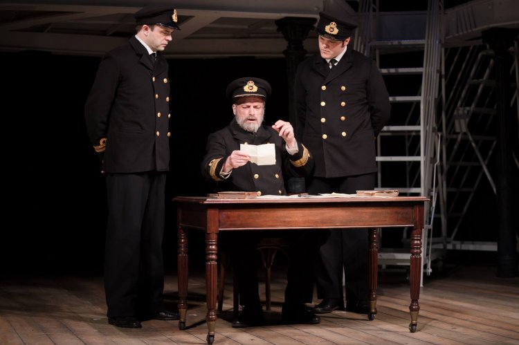 Scott Cripps as Murdoch, Philip Rham as Captain Smith and Alistair Barron as Lightoller